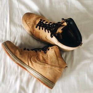 NIKE SUEDE TAN BOOTS - Size 10